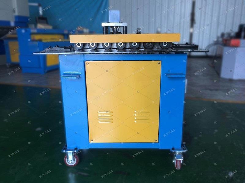 Фальцепрокатний станок для виготовлення вентиляції в наявності