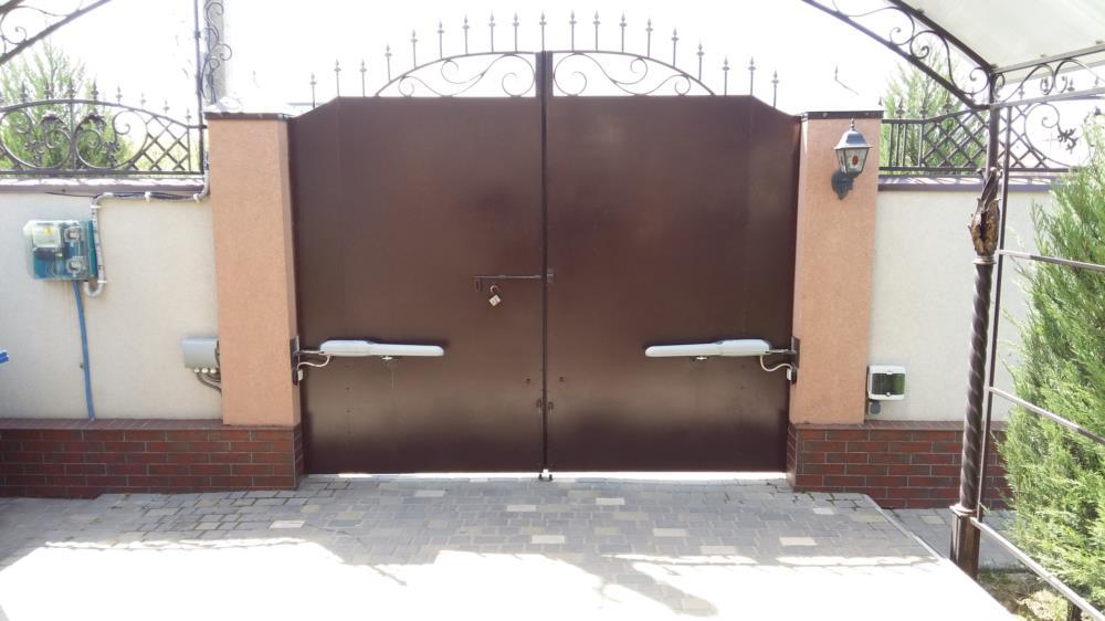 Автоматические ворота распашные откатные гаражные секционные ролетные