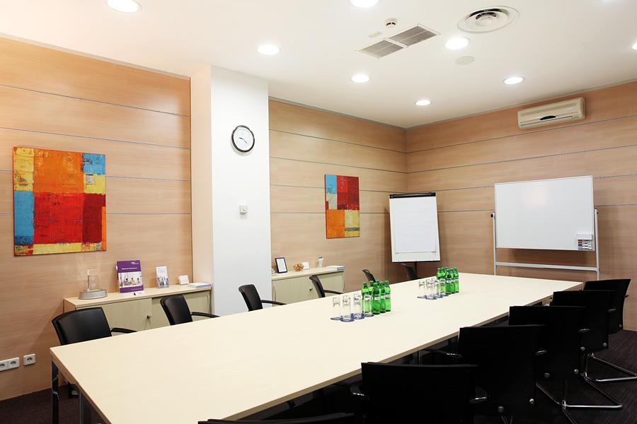 Оренда переговорних кімнат офісів на день