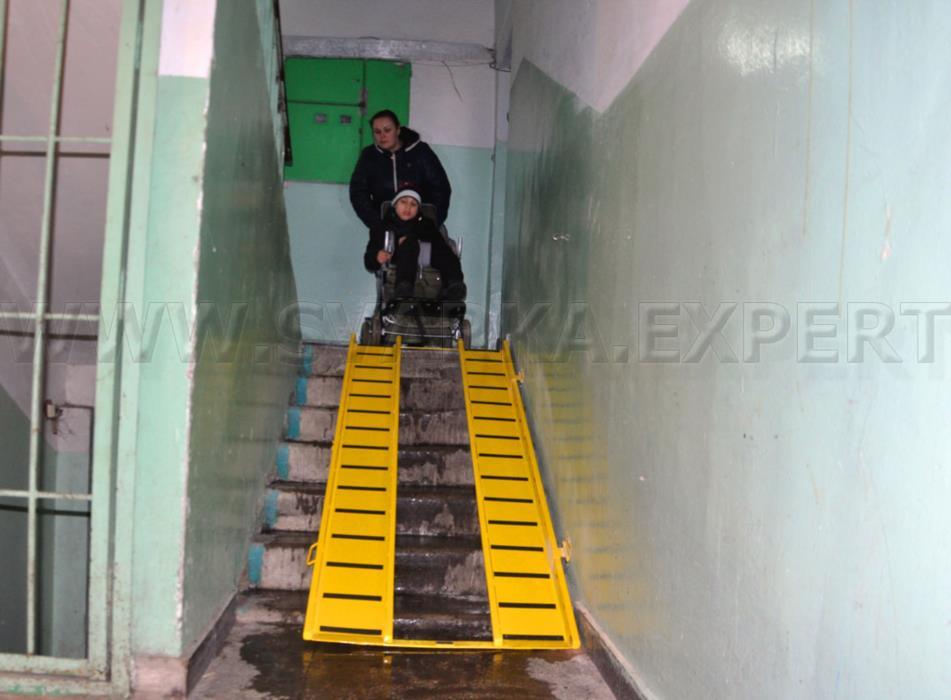 Пандус для инвалидных и детских колясок в Киеве