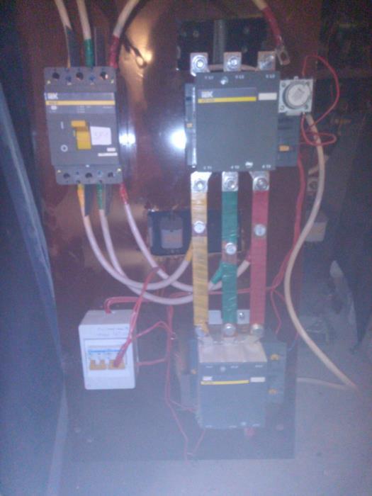 Автоматический выключатель IEK ВА88-35 3Р 250А контактор КТИ 5225 225 А система АВР