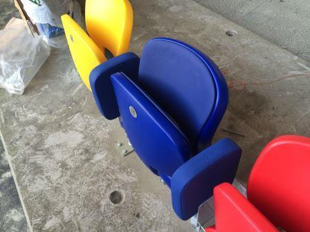 Сидения кресла для театров кинотеатров стадионов от производителя