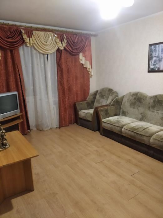 Продам или обменяю на Харьков собственную2х комнатную видовую квартиру в самом центре Миргорода