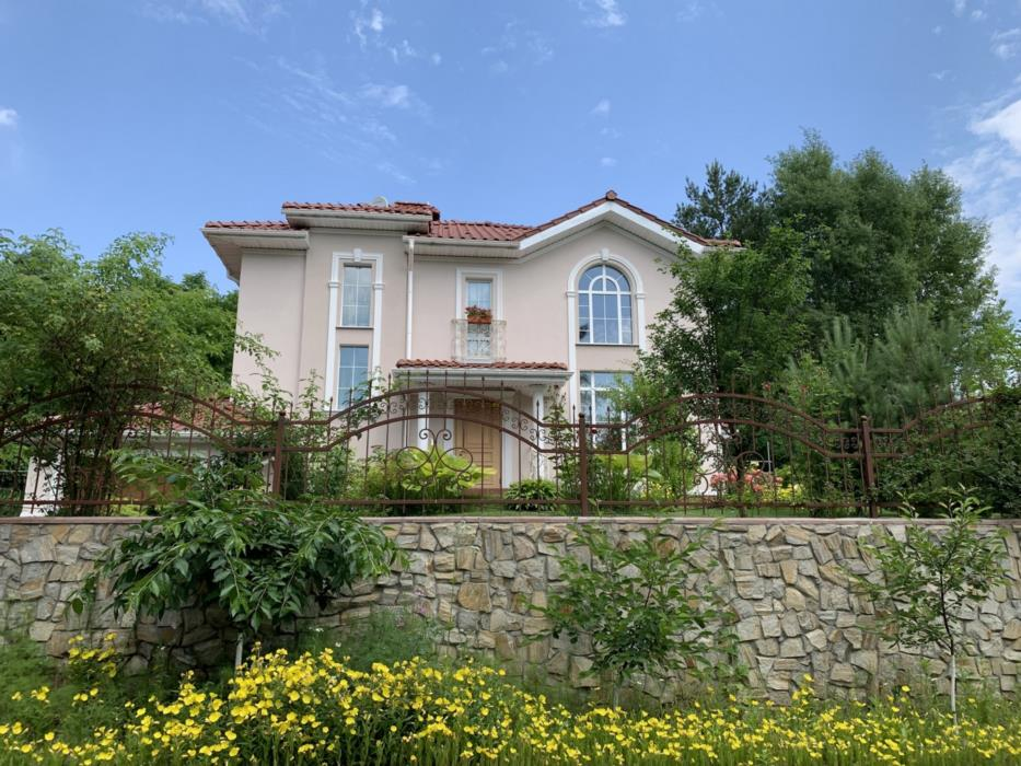 Продам красивый дом в сГореничи Киево-Святошинского р-на Живописное место у леса рядом озера